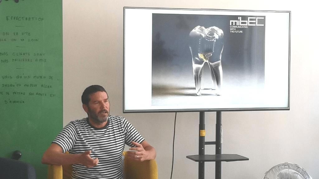 James Auger - Projet Audio Tooth Implant qu'il a développé en 2001 avec J. Loizeau